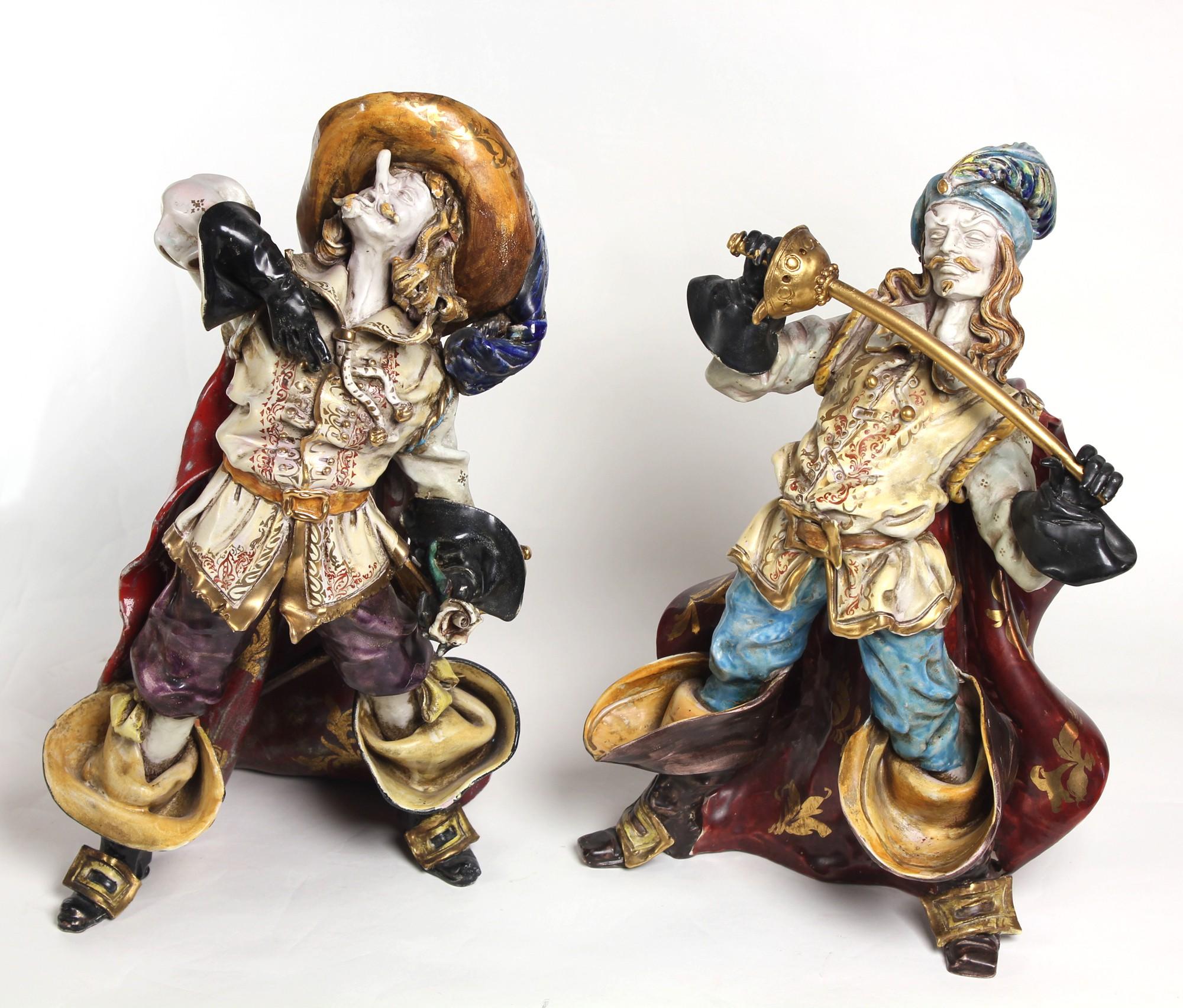 Парные жаноровые скульптуры Савиньен Сирано Де Бержерак и Д'Артаньян