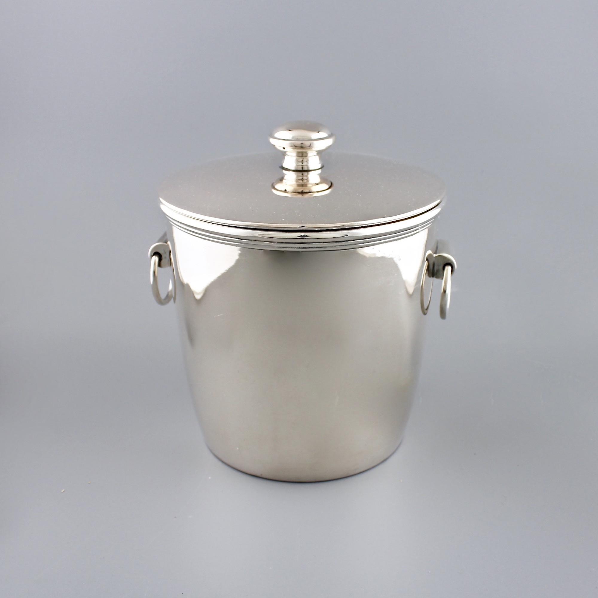 Серебряное ведерко для охлаждения напитков