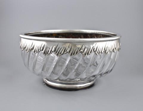 Ваза в серебряной оправе